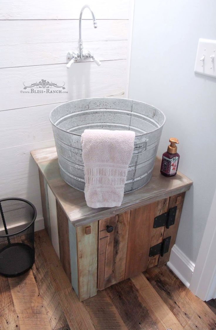 Rustic and calm guest bathroom galvanized tub tubs and for Galvanized tub kitchen sink