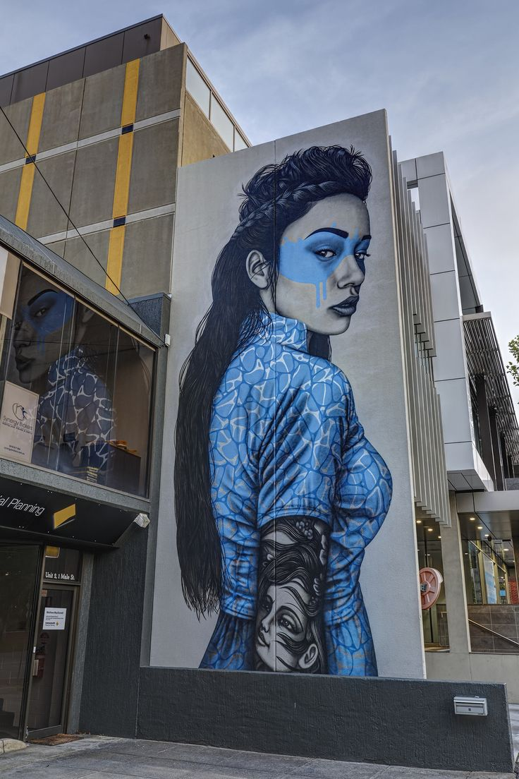 https://flic.kr/p/E4UBma | Findac Brighton 2016-02-13 (_MG_0422-4) | Findac, Brighton. One of my favourite pieces in a really long time, so strikingly beautiful. Love the reflection of her in the window too.