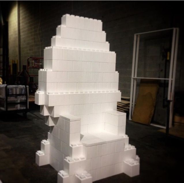 #ironthrone #gameofthrones #EverBlock #throne #chair #modular #plasticthrone #recycablethrone #pullupachair