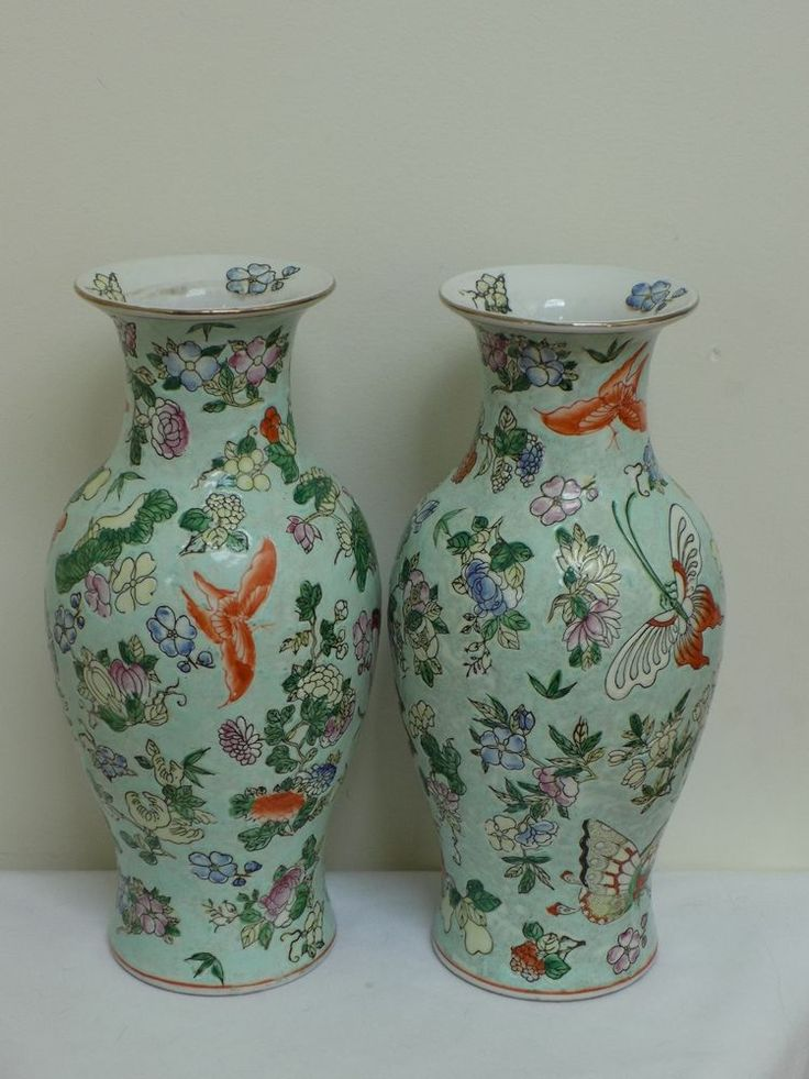 Rare Pair Chinese Qing Dynasty Tongzhi Porcelain Vases Butterfly Fine Antique Qing Dynasty