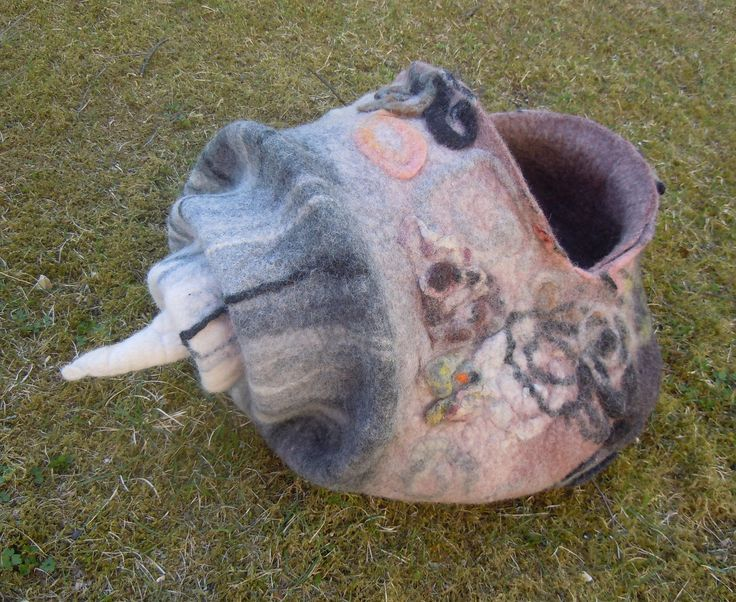 Cat house  shell Gray Wool cat cave Cat bed Cat cocoon  Felt cat cave Pet furniture Felted pet bed Natural wool Handmade from sheep wool by IevaDerFantasyWool on Etsy
