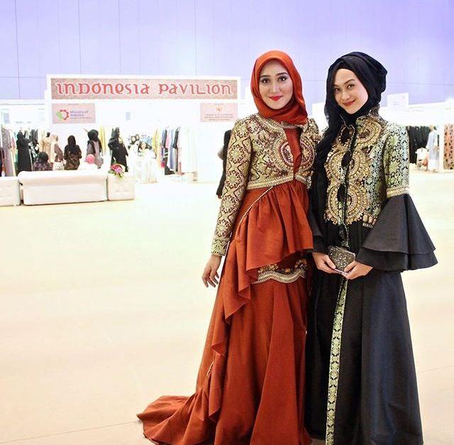Dian Pelangi & Indah Nada Puspita   Beauty of Hijab   InstaCrop by Suheri034