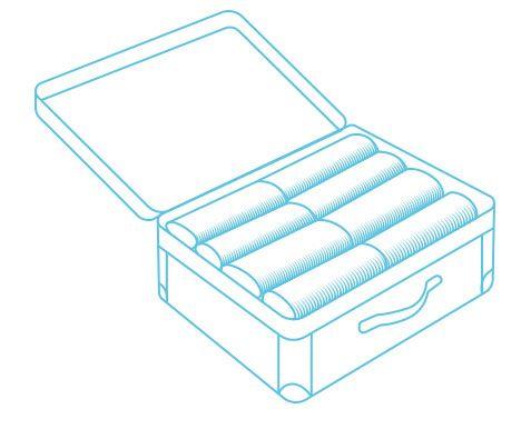 """¿Poco espacio y mucho para llevar? - WHAT IF? La mejor forma de empacar tu maleta Cuando viajamos, el momento de empacar puede ser difícil o convertirse en un dolor de cabeza. ¿Cuál es la mejor forma de empacar? Esta pregunta es frecuente entre viajeros. Hay varias técnicas para cuando hay poco espacio y mucho para llevar. En What if?, hemos probado varias formas de empacar, te compartimos nuestras tres favoritas. 1. Los famosos """"rollitos"""": ésta es una técnica para empacar que muchos…"""
