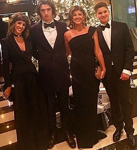 Glenn Frey's beautiful family. DaughterTaylor, son Deacon, Wife Cindy and son Otis at Kennedy Center Honors artist dinner for the Eagles  Dec 2016