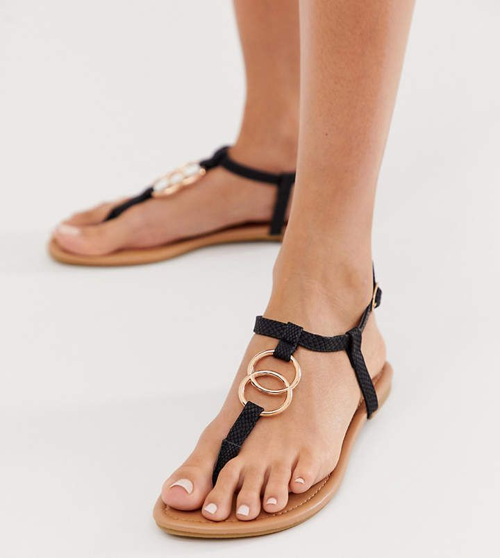 lui divorzio Alba  New Look ring detail flat sandal in black (With images) | Sandals, Flat  sandals, New look