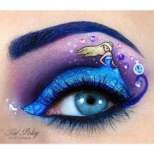 Esta escena de medianoche de Cenicienta con su característico vestido azul. | 21 Looks de maquillaje de ojos que están garantizados a darte envidia