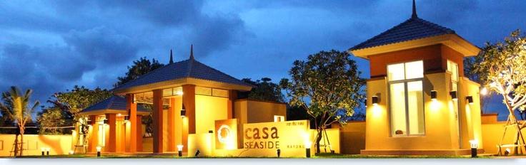 Modern tropical style entrance gate to Casa Seaside Rayong Thailand http://www.casaseaside.com/villas.aspx