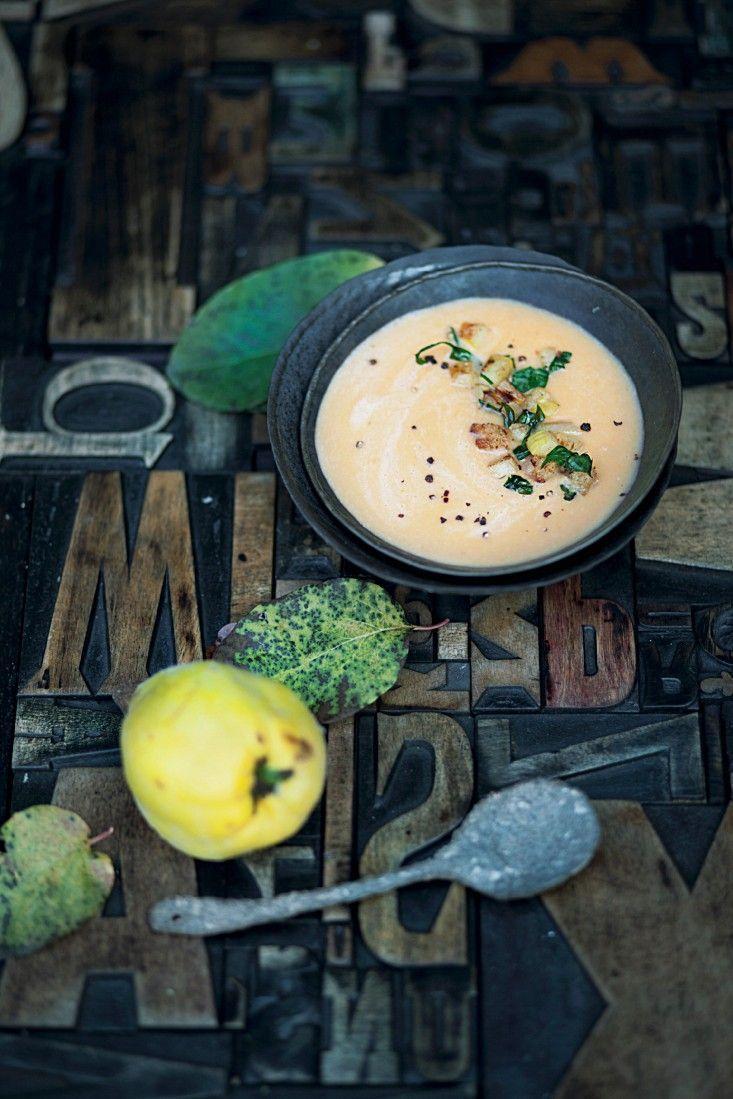 Süßkartoffelsuppe mit Quitte | http://eatsmarter.de/rezepte/suesskartoffelsuppe-mit-quitte