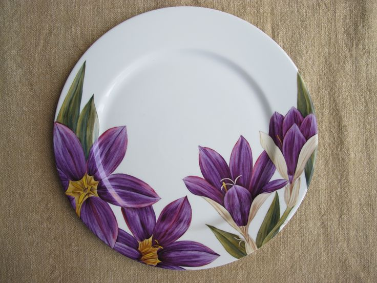 Crocus decor on plate