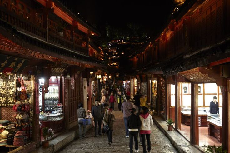 Finding love in Lijiang - The colorful street of Lijiang  Read more: http://www.traveltherenext.com/relax/item/453-finding-love-in-lijiang  #china #lijiang #experience #culture #nightlife #interesting #travel #traveltherenext
