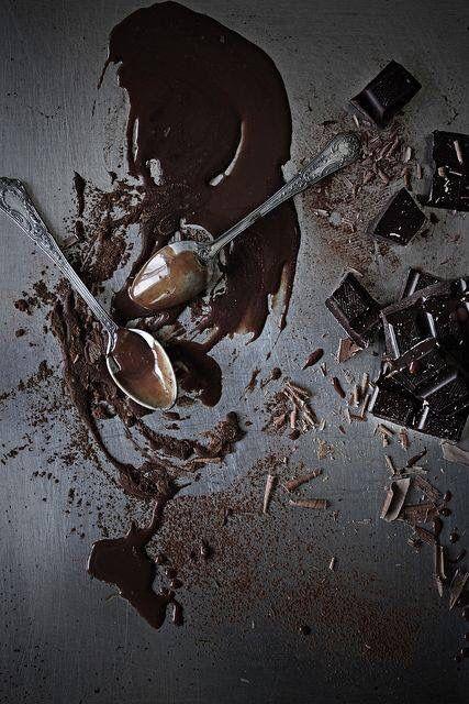 > De gezonde voordelen van Dazzles! <  Theobromine in chocola vermindert de activiteit van de vagus nervus, een zenuw in het brein die ervoor zorgt dat je moet hoesten.  #Dazzles #Chocolate #Chocolade #Dazzles #Theobromine #Vagus #Nervus #Zenuw #Brein #Hoesten #Healthy