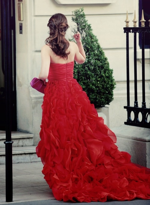 Love that dress!! From Gossip Girl.