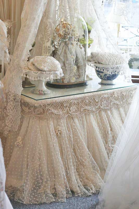 I so love this shabby dresser but I can just see my cats having a midnight party tearing it up and pulling everything off that pretty dresser, then shredding all the lace.....Oh, well!  ;-)