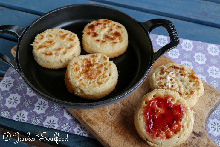 Crumpets - englische Frühstück-Brötchen