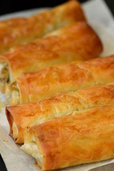 Μπουρεκάκια με πράσο, μανιτάρια και τυριά