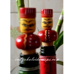 Wood lacquered Wine stoppers