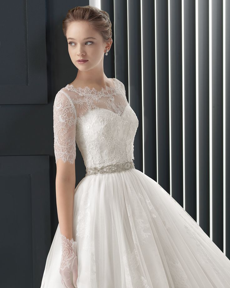 Long beaded lace and tulle wedding dress. Two by Rosa Clará 2015 Collection
