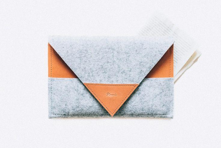 """Custodie per tablet - Sleeve """"Arrow"""" suits iPad Mini, Leather & Felt…"""