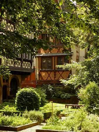 Strasbourg - Jardins du Musée de l'Oeuvre Notre-Dame