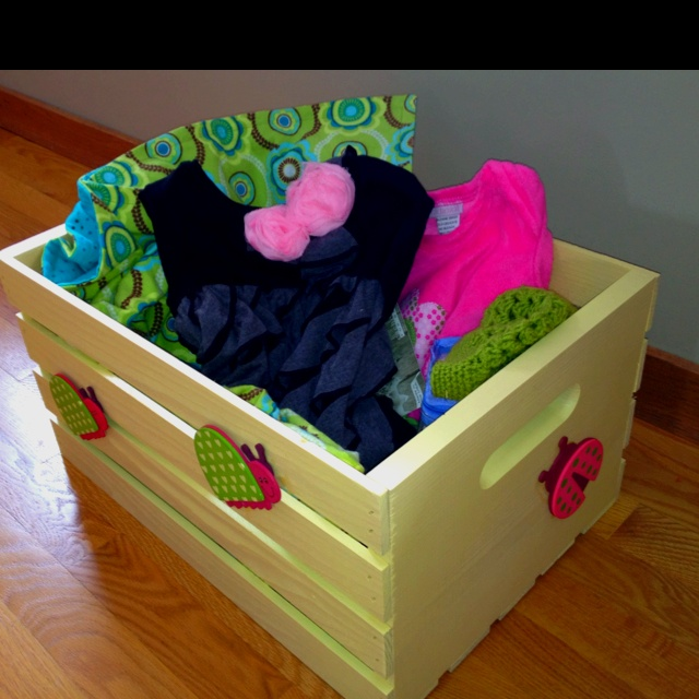 17 best images about wooden crates on pinterest for Painted crate ideas