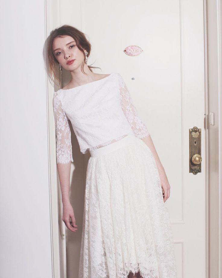 . . セパレートドレス... . 上下、レースで合わせると とっても上品な花嫁様に . こちらのスカートは フィッシュテールになっておりますが 足が見えるのはちょっと... って方には足が隠れるタイプもございます。 . ぜひご試着してみてくださいね☺︎ . . #ザドレスルーム#ウェディングドレス #ナチュラルウェディング#ガーデンウェディング #リゾートウェディング#アウトドアウェディング #フォトウェディング#ドレス #シンプルドレス#カジュアルドレス #ナチュラルドレス#セパレートドレス #2次会ドレス#花嫁#プレ花嫁 #結婚式準備#結婚式#試着#ドレスショップ #海外ウェディング#袖付きドレス#前撮り