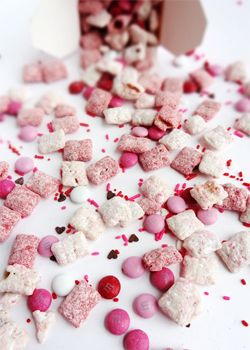 Valentine's Day Strawberries and Cream Puppy Chow - Life Love and Sugar
