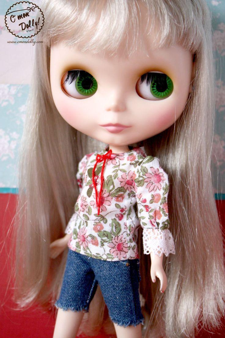 Blythe Momoko Pullip vintage peasant blouse flower print by cmondolly on Etsy