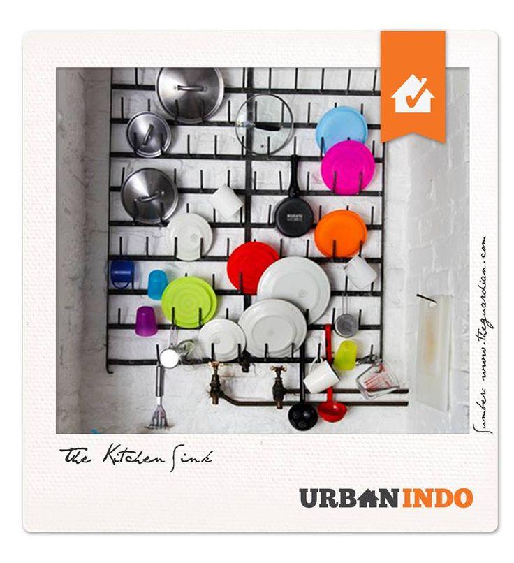 #UrbanIndoPick today!!  Hi Urbanites, apakah Anda bosan dengan dengan penataan rak penyimpanan peralatan dapur? Apakah Anda bingung bagaimana cara menata atau menciptakan rak penyimpanan yang menarik dan efektif?  Urbanites bisa #UrbanIndoTips yang ini, untuk menghemat tempat dengan cara yang unik bisa Anda aplikasikan di dapur Anda. Dengan susunan peralatan dapur di dinding seperti ini, selain dapat menghemat banyak tempat juga menghadirkan sisi artistik.  Silahkan mencoba