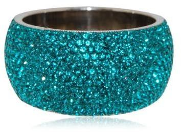 Love the color. Love the bracelet...hope it's hinged but doesn't look like it..otherwise would not go over my hand...pooh