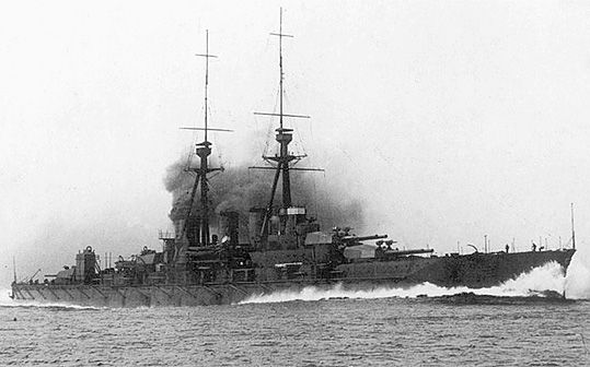 14 in Japanese battlecruiser Kongo as delivered by her British builders whilst on trials in 1912: her design was so influential that the construction of battlecruiser HMS Tiger was halted to emulate Kongo's armament layout.  Reconstructed as fast battleships in the 1930s, this class served into WW2, Kongo being sunk by a US submarine in 1944.