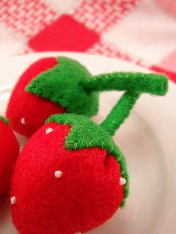 Strawberry felt play food - FeltPlayground.etsy.com