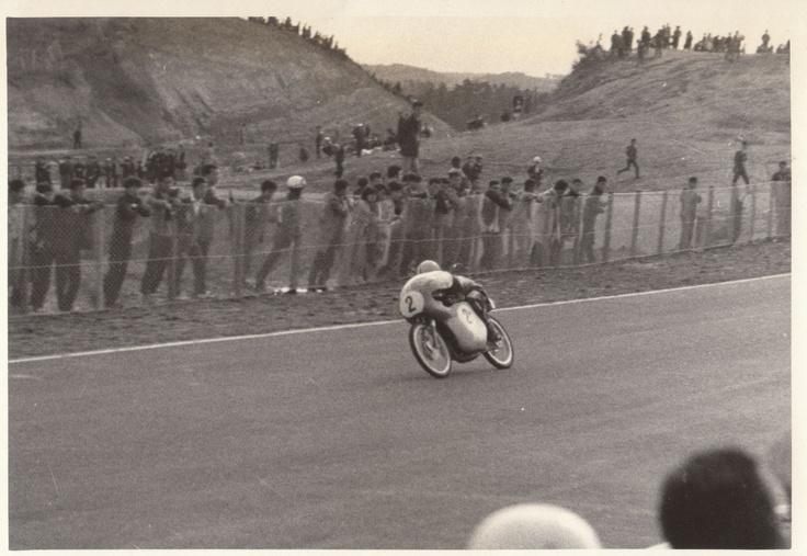#2 エルンスト・デグナー  1962年鈴鹿サーキットオープニング日本GPレースの貴重なショット