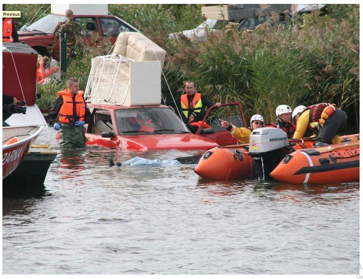 FloodEx: Escapando el agua, maxpreven Una simulación de la parte superior de Holanda del Norte que fue golpeado por una inundación mayor fue simulada durante el ejercicio internacional FloodEx. Cientos de personas estuvieron atrapadas durante dos días después de una oleada de tormenta: en automóviles, en techos o en pequeños pedazos de tierra. Algunos fueron gravemente heridos, confundidos o incluso fallecidos. #Simulación #simulacro #inundación #emergencia #maxpreven