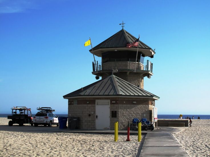 Photo Of Lifeguard Tower And Beach Patrol Truck San Diego CA