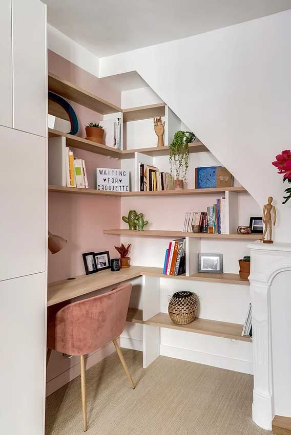 stairs nook top of ; stairs nook under the ; reading nook under stairs ; under stairs nook Office Under Stairs, Under Stairs Nook, Open Stairs, Office Nook, Home Office Decor, Home Decor, Office Ideas, Home Furniture, Furniture Design