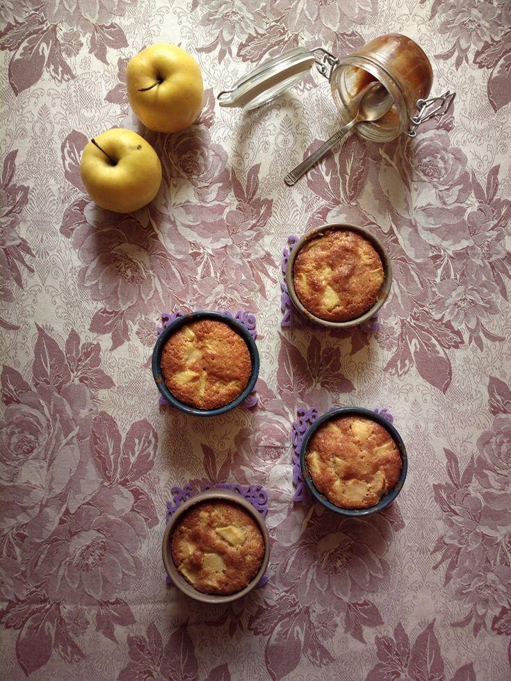 Tortine alle mele con cuore di caramello salato