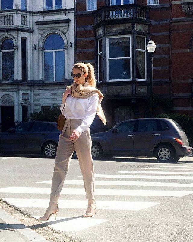 Taking advantage of a sunny day in Brussels☀️ Zurbano owner  @monikalukacijewska is keeping it classy in LILY sandals  Shop now at: www.zurbano.pl   #Zurbano #shoes #city #shoesandthecity #brussels #belgium #sunny #day #lily #sandals #leather #highend #fashion #sunday #inspiration #classy #style #mystale #styleoftheday #business #businesswoman #polishgirl #polskamarka #newbrand #polishbrand