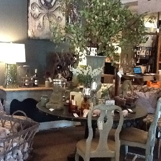 Beautiful table at Setting The Space! Love the round shape.: Beautiful Tables, Round Shape