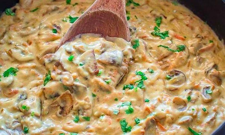 Avec un bon steak ou du poulet grillé, vous adorerez cette sauce aux champignons! Crémeuse, onctueuse, savoureuse…et délicieuse, cette sauce aux champignons accompagnera vos viandes, pâtes, poissons et autres plats. Ingrédients : 1/2 kg de champignons, tranchés (vous pouvez prendre la variété de votre choix) 2 c. àsoupe d'huile végétale 1 carotte moyenne, râpée 1 …