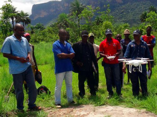 Mola: Usan drones para controlar las minas de diamantes en África para evitar conflictos