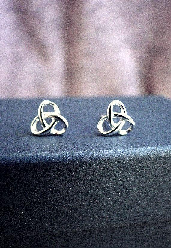 Delicate silver knot earrings silver stud by laplumeblanche