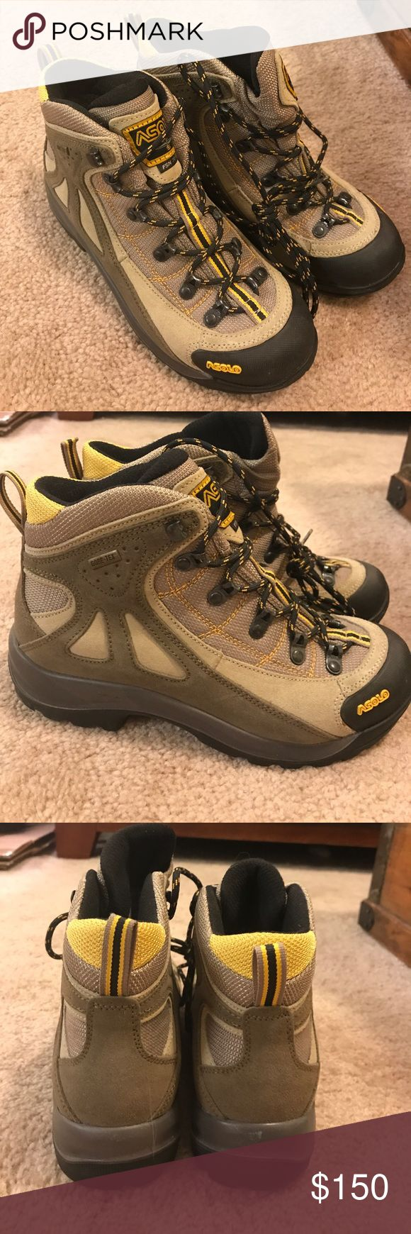 Women's ASOLO FSN 70 GTX Hiking Boots Brand new without box, never been worn. Women's size 6.5. Shock absorbent and antibacterial. Very nicely lined on the inside. Gore-Tex style. Water resistant suede and leather/rubber toe. As seen at REI for $325 Asolo Shoes Winter & Rain Boots