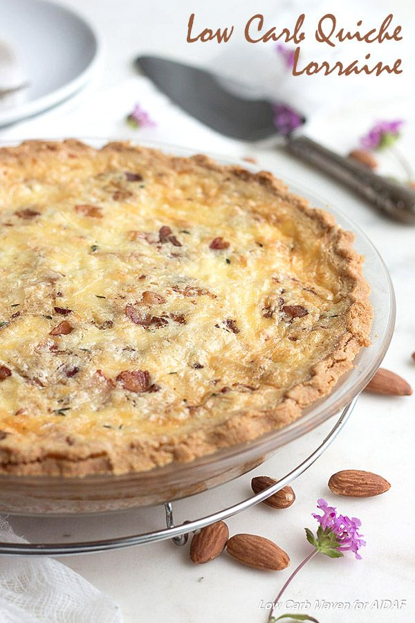 This easy low carb quiche recipe with bacon makes a lovely breakfast or dinner. Keto THM LCHF Banting Recipe via @dreamaboutfood