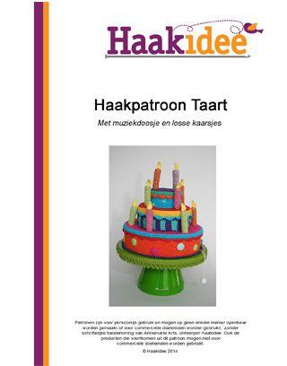Gehaakte taart met muziekdoosje Happy Birthday en losse kaarsjes!  Nederlandse Haakpatroon inclusief kleurplaat van de taart door Annemarie Arts.  Het patroon wordt als PDF toegestuurd, zodra de bestelling betaald en voltooid is.  Let op: u koopt het patroon, niet het eindproduct.