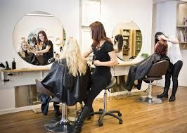 It's probably really frustrating when you don't know what you want to do when you're about to hit the hair salons.  It will probably be more frustrating for the hair stylist who has to accommodate you.