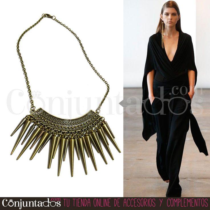 #Collar de #estilo punk y rock, pero relativamente discreto, fabuloso para poner el punto rebelde a un femenino vestido ★ ¡#REBAJAS! en http://www.conjuntados.com/es/collares/collar-dorado-de-pinchos.html ★ #novedades #necklace #joyitas #jewelry #bisutería #bijoux #fashion #accesorios #complementos #moda #style #discount #oferta #sales #regalos #detalles #GustosParaTodas #ParaTodosLosGustos