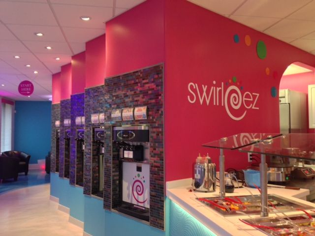 Swirleez! Less calories but all the flavour and deliciousness! Enjoy a selection of frozen yogurts with a huge variety of toppings right on Barrie's lakeshore.