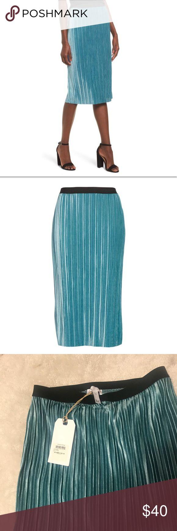 NWT Velour skirt - Nordstrom's NWT Nordstrom velour skirt  92% poly 8% spandex Teal Nordstrom Skirts Midi