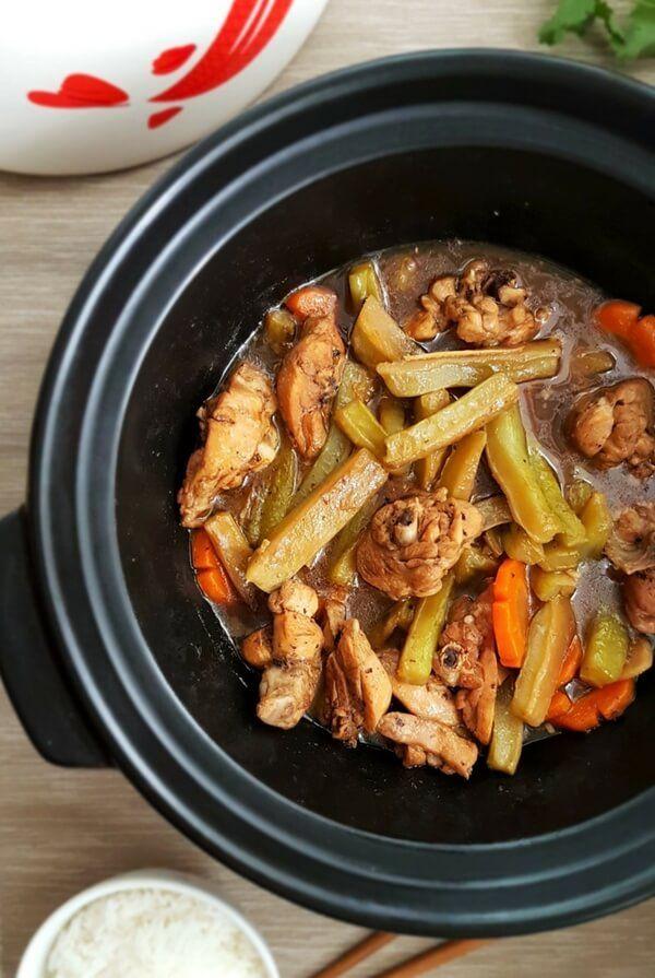 Claypot Braised Chicken with Bitter Gourd