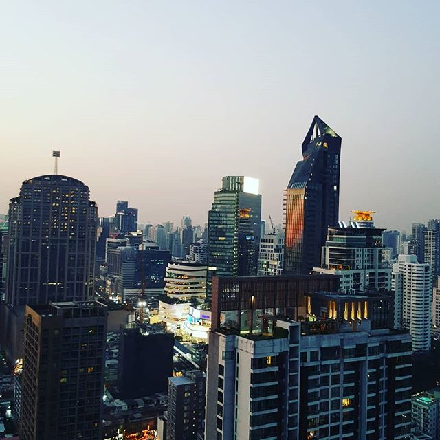 Bangkok skyline. Loving our view. #digitalnomad #travel #bangkok #thailand #bkk #buildings #sunset #skyline #greatview #view #travelgram #wanderlust #traveltheworld #nomadiclife  #travelblogger #city #travelphotography #travelgram #travelpix